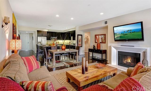 10878 Bloomfield Street #208, Toluca Lake, CA 91602 (#301123572) :: Coldwell Banker Residential Brokerage
