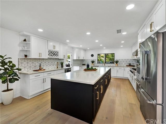 3339 S Beverly Drive, Los Angeles, CA 90034 (#301416010) :: Coldwell Banker Residential Brokerage