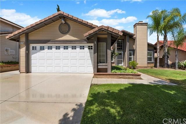 1922 Lynwood Circle, Corona, CA 92881 (#301535157) :: Pugh | Tomasi & Associates