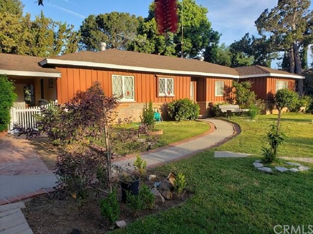 14131 Windsor Place, Santa Ana, CA 92705 (#301535322) :: Keller Williams - Triolo Realty Group