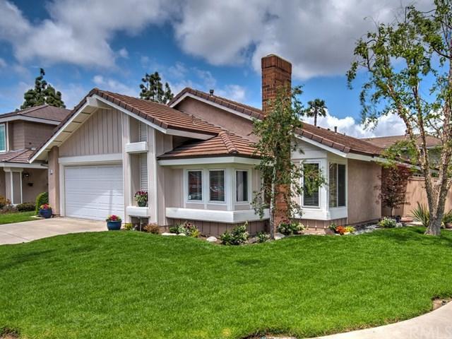 10 Halfmoon, Irvine, CA 92614 (#301539287) :: Keller Williams - Triolo Realty Group