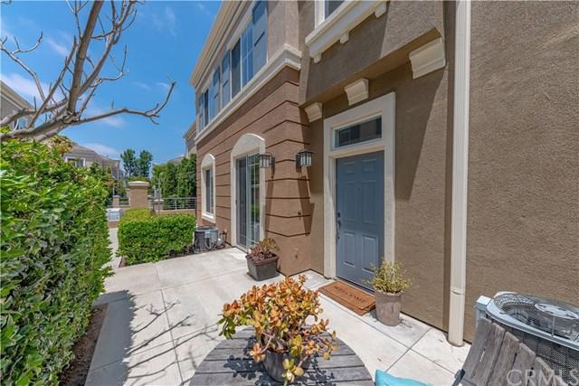 3403 S Main Street J, Santa Ana, CA 92707 (#301556267) :: Coldwell Banker Residential Brokerage
