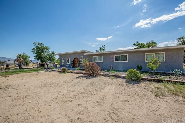 20012 Breezy Lane, Apple Valley, CA 92308 (#301556931) :: Coldwell Banker Residential Brokerage