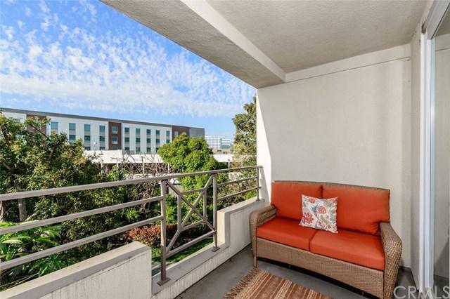 2243 Martin #208, Irvine, CA 92612 (#301558919) :: Coldwell Banker Residential Brokerage