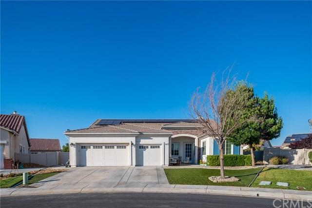 10819 Tumbleweed Road, Apple Valley, CA 92308 (#301560717) :: Coldwell Banker Residential Brokerage