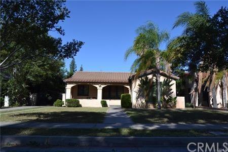 2926 N Stoddard Avenue, San Bernardino, CA 92405 (#301562119) :: Coldwell Banker Residential Brokerage