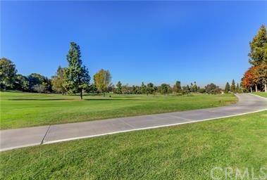2396 Via Mariposa 1D, Laguna Woods, CA 92637 (#301565786) :: Coldwell Banker Residential Brokerage