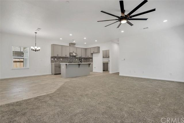 909 E Olive Avenue, Merced, CA 95340 (#301566901) :: Coldwell Banker Residential Brokerage