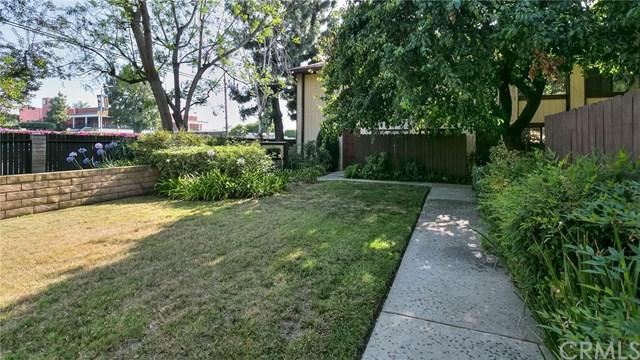 16201 Lassen Street #4, Granada Hills, CA 91343 (#301578532) :: Compass