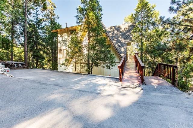 585 Pioneer Road, Lake Arrowhead, CA 92352 (#301583004) :: Coldwell Banker Residential Brokerage