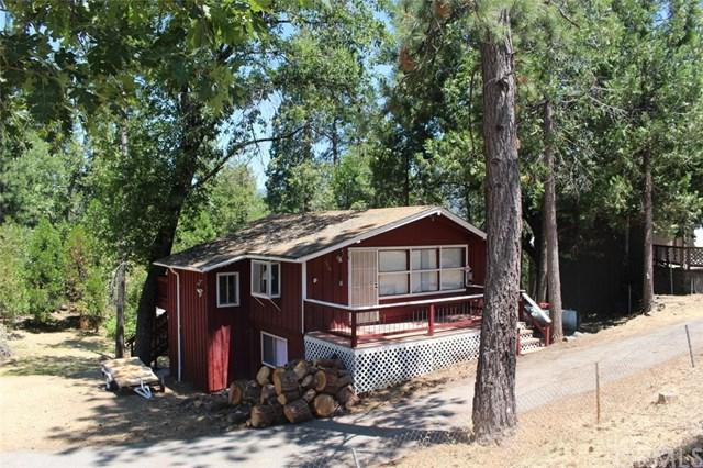 39284 Manzanita Drive, Oakhurst, CA 93644 (#301584840) :: Keller Williams - Triolo Realty Group