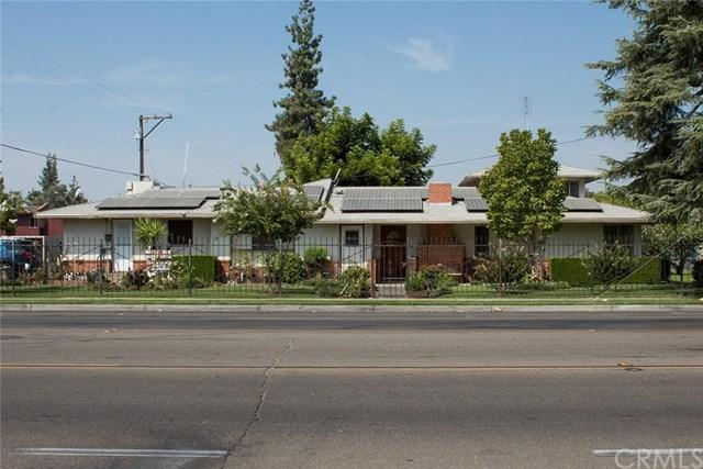 3341 N Maple Avenue, Fresno, CA 93726 (#301585848) :: Whissel Realty