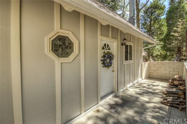 26611 Thunderbird Drive, Lake Arrowhead, CA 92352 (#301585936) :: Coldwell Banker Residential Brokerage