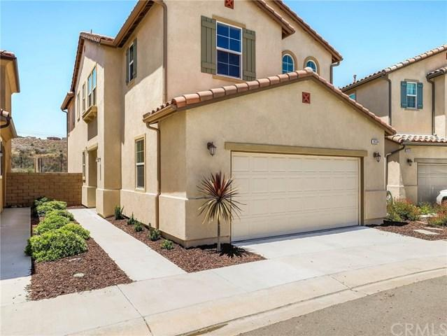 26339 Piazza Di Sarro, Newhall, CA 91321 (#301585957) :: Coldwell Banker Residential Brokerage