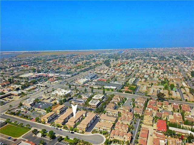 16895 Airport Circle #106, Huntington Beach, CA 92649 (#301586523) :: Coldwell Banker Residential Brokerage