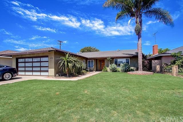 20751 Kelvin Lane, Huntington Beach, CA 92646 (#301590917) :: Coldwell Banker Residential Brokerage