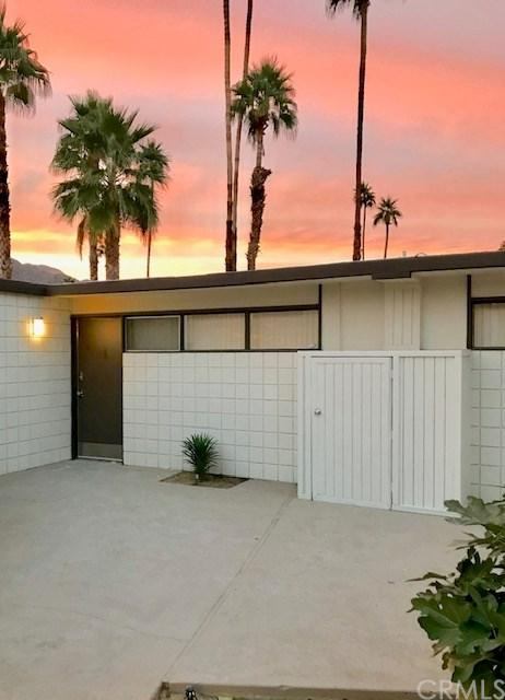 1111 E Palm Canyon Drive #373, Palm Springs, CA 92264 (#301595933) :: Coldwell Banker Residential Brokerage