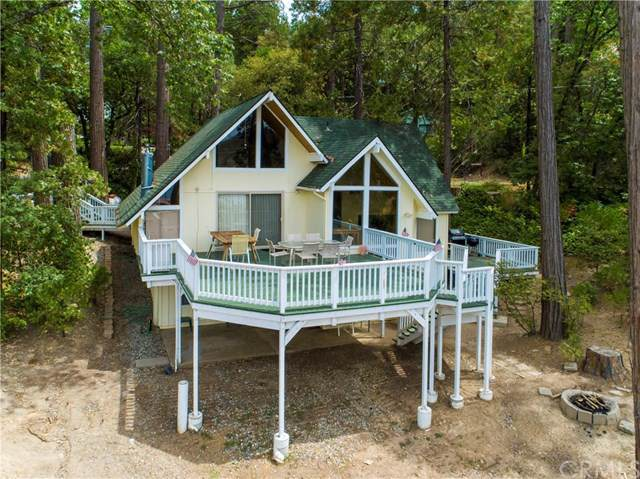 53674 Road 432, Bass Lake, CA 93604 (#301605634) :: Whissel Realty