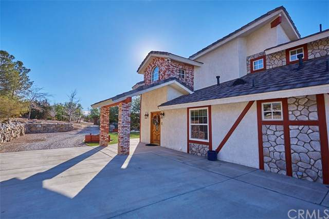20767 Sunset Drive, Apple Valley, CA 92308 (#301609421) :: Coldwell Banker Residential Brokerage