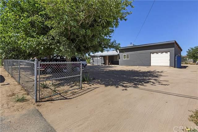 10352 Cottonwood Avenue, Hesperia, CA 92345 (#301611636) :: Whissel Realty