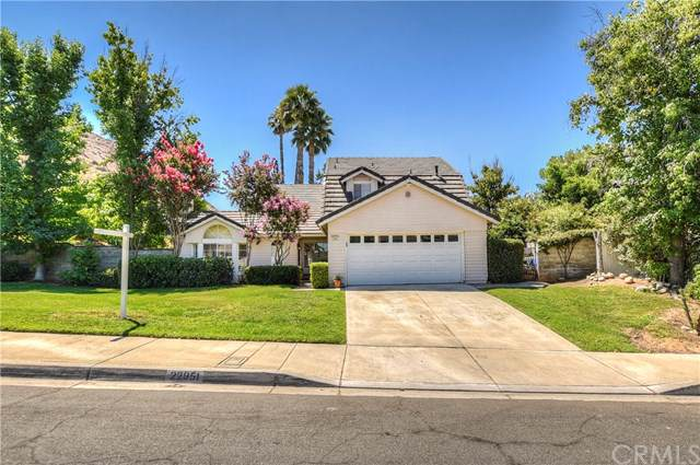 22951 De Berry Street, Grand Terrace, CA 92313 (#301611980) :: The Yarbrough Group