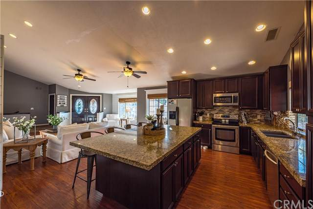 22950 Sierra, Canyon Lake, CA 92587 (#301616325) :: Cane Real Estate