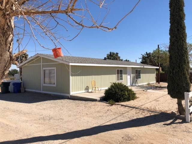 10220 Olivine Road, Victorville, CA 92392 (#301618370) :: Whissel Realty