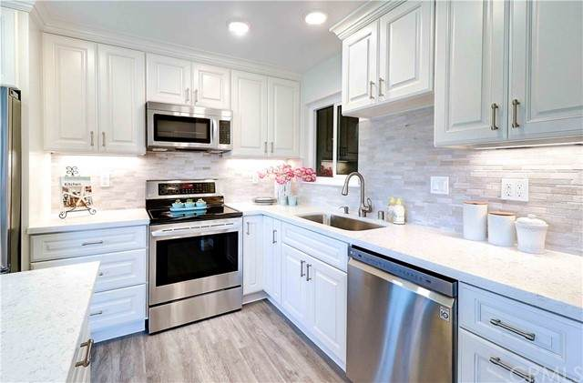 2239 Via Puerta C, Laguna Woods, CA 92637 (#301618673) :: Coldwell Banker Residential Brokerage