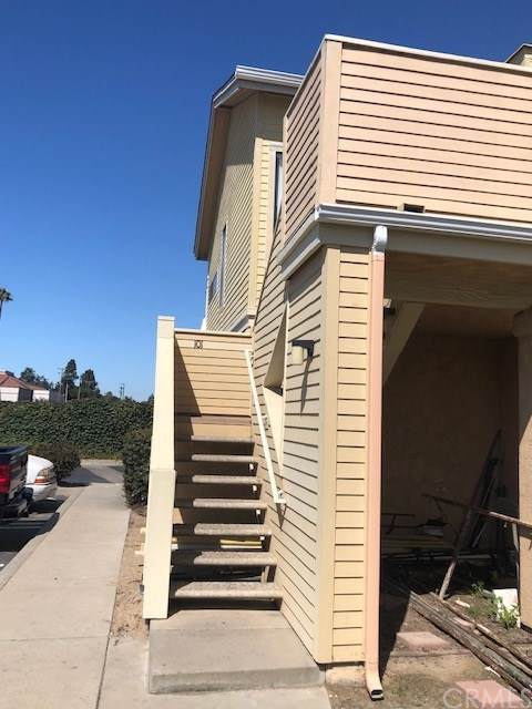 220 E Grant Street #101, Santa Maria, CA 93454 (#301619449) :: Compass