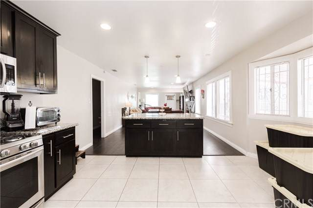 5439 6th Avenue, Los Angeles, CA 90043 (#301622055) :: Whissel Realty