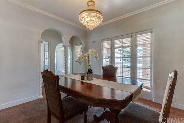 4000 W 58th Place, Los Angeles, CA 90043 (#301624611) :: Whissel Realty