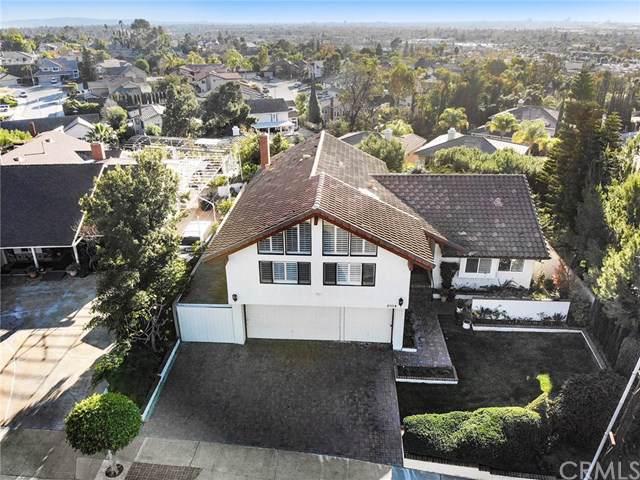 2104 E Valley Glen Lane, Orange, CA 92867 (#301629346) :: Whissel Realty