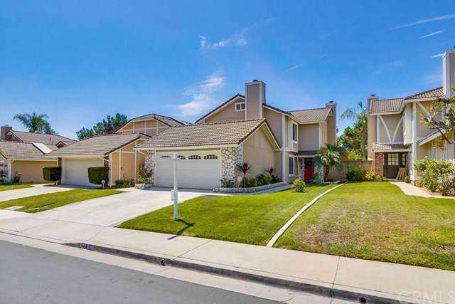 826 Farmer Lane, Placentia, CA 92870 (#301631313) :: COMPASS