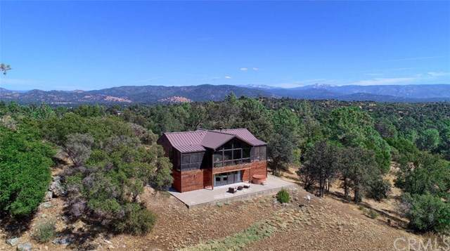 30332 Flying O Ranch Road, Coarsegold, CA 93614 (#301631457) :: Whissel Realty