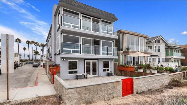 7310 W Oceanfront, Newport Beach, CA 92663 (#301632061) :: Whissel Realty