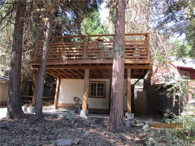 790 N Village Lane, Crestline, CA 92325 (#301632078) :: Whissel Realty