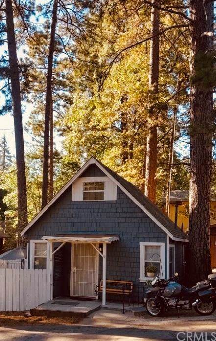 22905 Redwood Way, Crestline, CA 92325 (#301632579) :: Whissel Realty