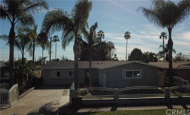 144 E Hoover Avenue, Orange, CA 92867 (#301632834) :: Whissel Realty