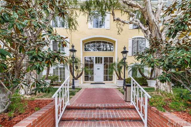 500 Cagney #112, Newport Beach, CA 92663 (#301633281) :: Whissel Realty