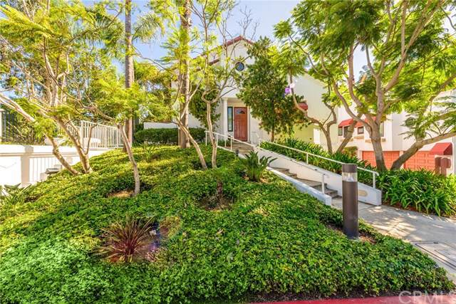 7582 Seabluff Drive #101, Huntington Beach, CA 92648 (#301633282) :: COMPASS
