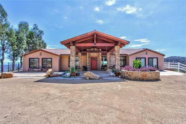 20575 Stage Road, Wildomar, CA 92595 (#301633492) :: Whissel Realty