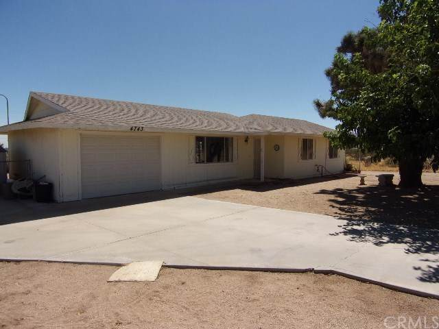 4743 Avalon Avenue, Yucca Valley, CA 92284 (#301634562) :: Whissel Realty