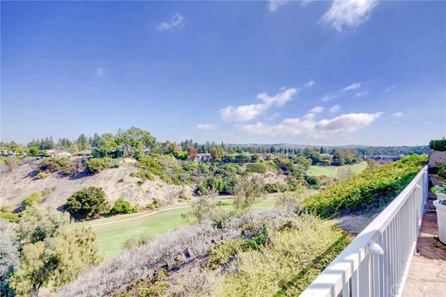 22 Rue Saint Cloud, Newport Beach, CA 92660 (#301635599) :: Dannecker & Associates