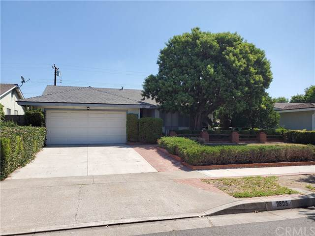 2805 Roswell Street, Santa Ana, CA 92705 (#301637015) :: Whissel Realty
