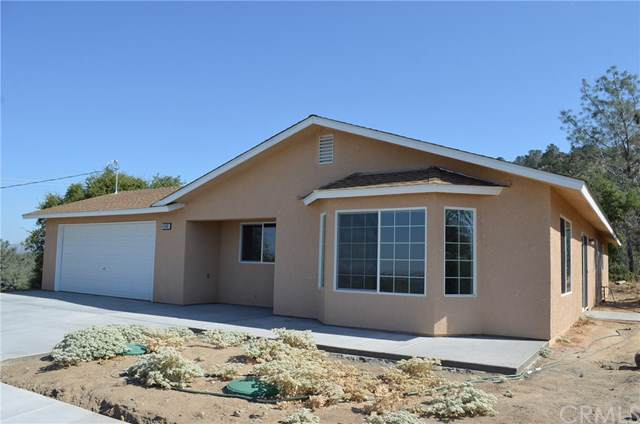 43683 Cedar Grove Court, Coarsegold, CA 93614 (#301637857) :: Whissel Realty