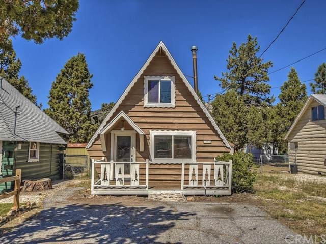 305 Mountain View, Big Bear, CA 92314 (#301638974) :: Whissel Realty