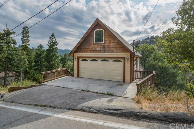 1084 Brentwood Drive, Lake Arrowhead, CA 92352 (#301639164) :: The Yarbrough Group