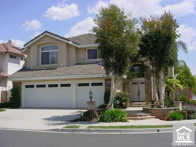 830 Hall Lane, Placentia, CA 92870 (#301639553) :: Whissel Realty