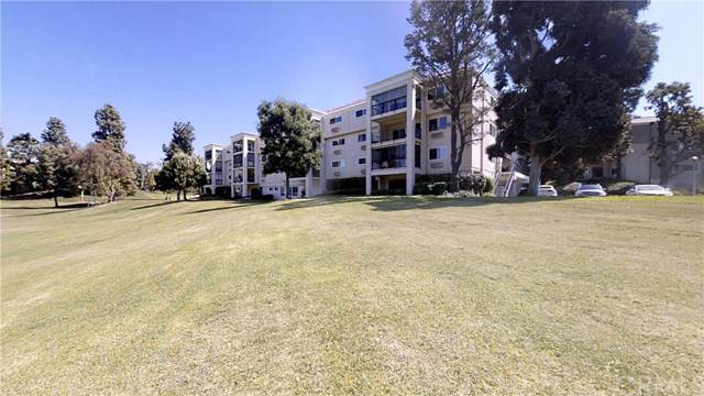5511 Paseo Del Lago 3A, Laguna Woods, CA 92637 (#301641120) :: The Yarbrough Group