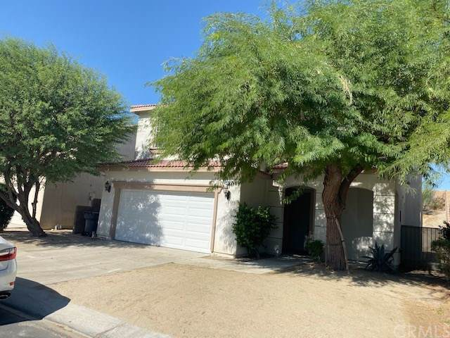 44097 Calle Luna, Indio, CA 92201 (#301648602) :: Whissel Realty